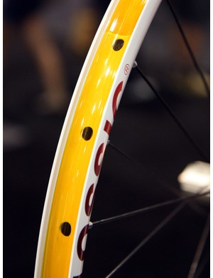 The American Classic MTB 26 Disc Tubeless rim offers easy tubeless compatibility with the proper rim strip and valve stem