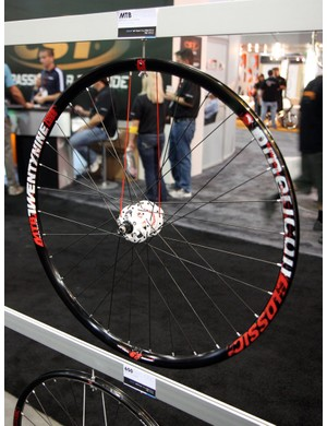 American Classic say their 29in disc wheelset weighs just over 1,600g