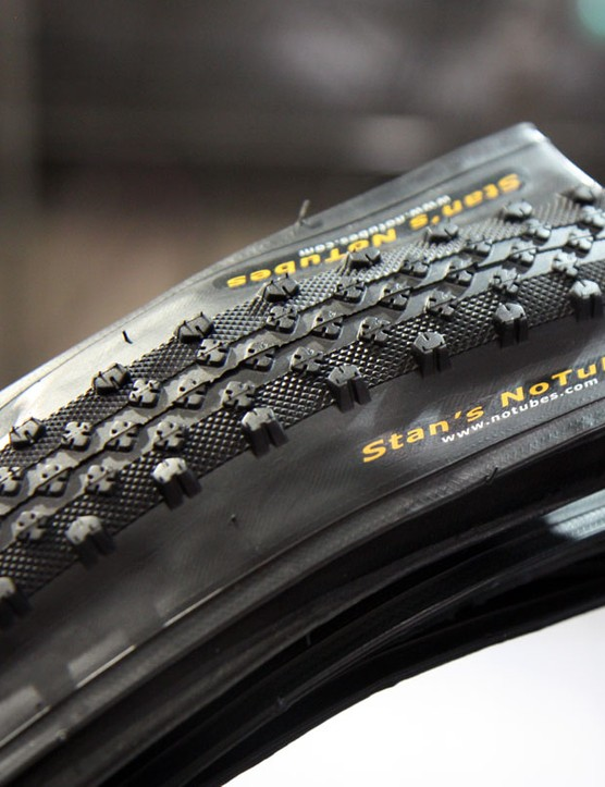 NoTubes claim their 700x35c Raven 'cross tyre can be run as low as 20psi