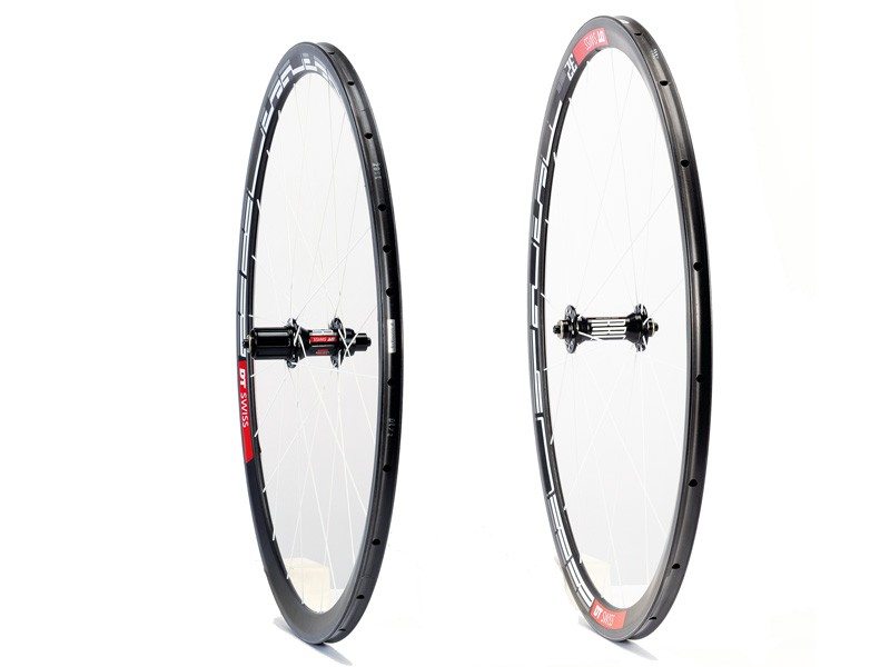 DT Swiss RRC425F and RRC525R wheelset