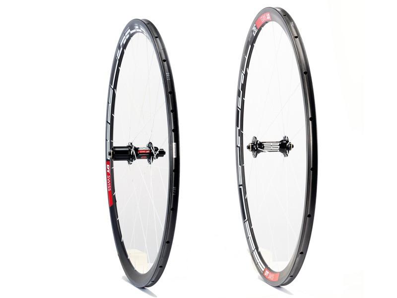 DT Swiss RRC425F and RRC525R wheelset