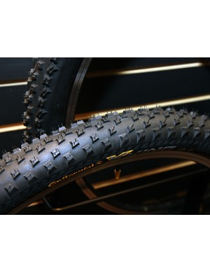 The new Continental X-King (say 'cross king') pairs a short and fast-rolling centre tread with stouter side knobs for marathon racing