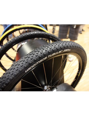 Adding fuel to the tubular mountain bike tyre fire, Geax now offer their Saguaro tread in a 29in version