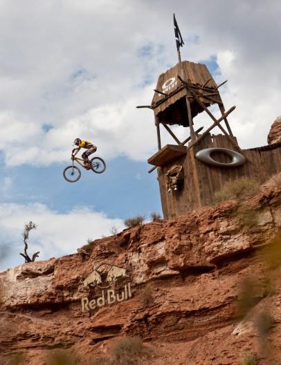 Logan Binggeli rides the Oakley Icon Sender