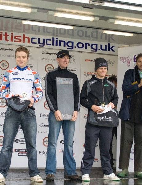 Men's time trial podium: Blake Pond (3rd), Matt Bottrill (1st) and Andrew Griffiths (2nd)