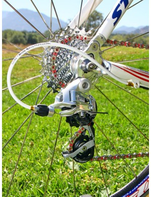 Gore Ride-On sealed cables help keep the SRAM Red rear derailleur working reliably in foul weather