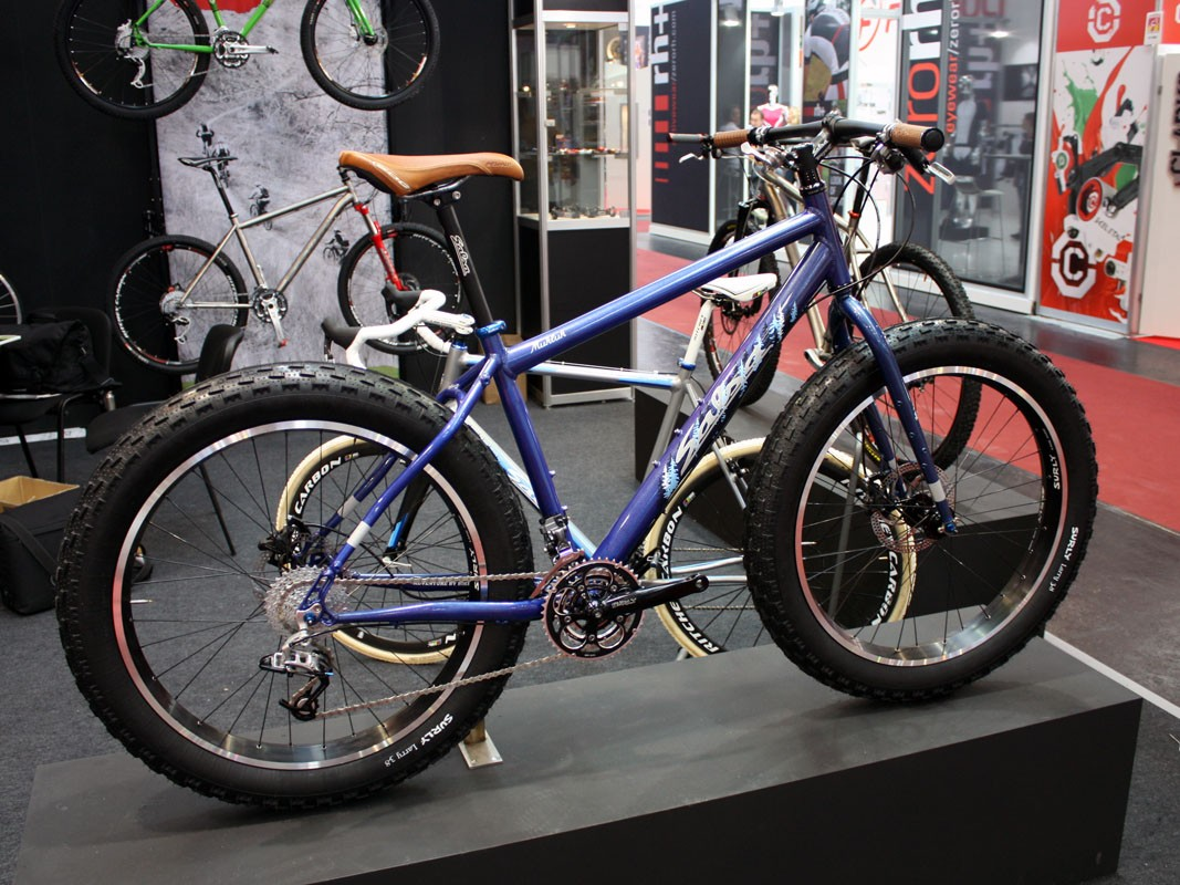 The Salsa Mukluk should bring snow bikes into more financially attainable territory with a pleasantly reasonable price tag of just US$1,499