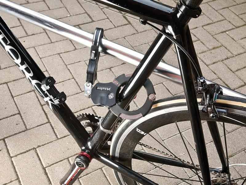 Master Lock Street Cuff Sport lock