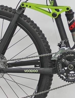 The Canzo uses a proven four-bar suspension setup