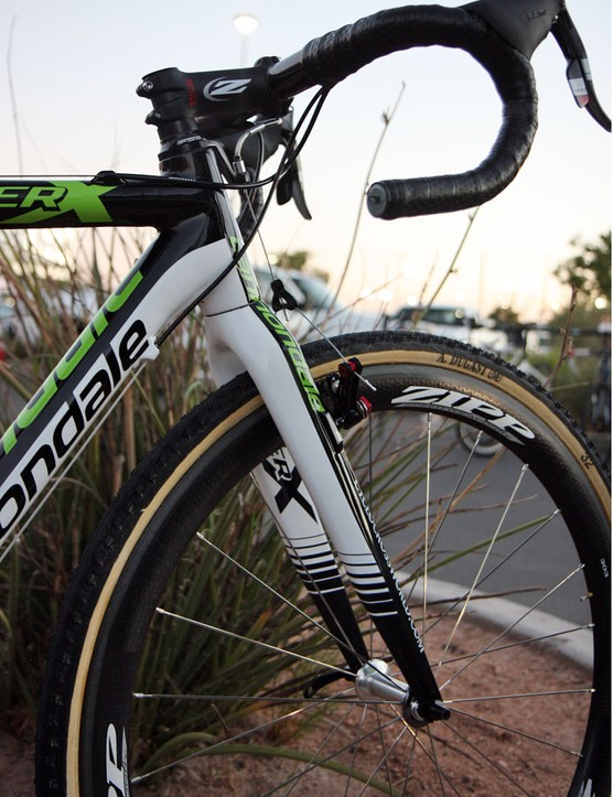 The newly tapered front end on Cannondale's new SuperX carbon 'cross racer lends additional torsional stiffness and makes for a clean and seamless look