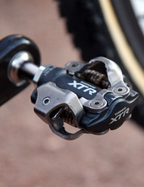 While many top riders opt for the superior mud-shedding abilities of CrankBrothers, Time and Look pedals, Tim Johnson (Cannondale-CyclocrossWorld.com) sticks with Shimano's bombproof XTR model