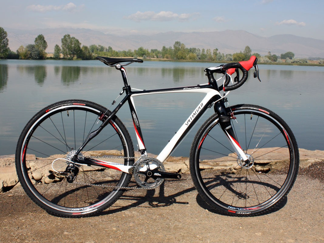 The Specialized CruX Pro Carbon is a compelling option on paper but we'd rather go with the alloy model for 'cross racing