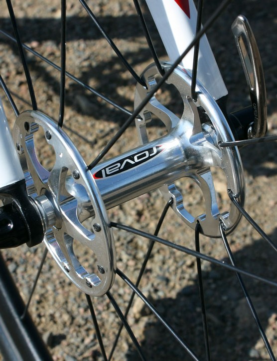 High flange Roval hubs give the wheels a reasonably solid feel