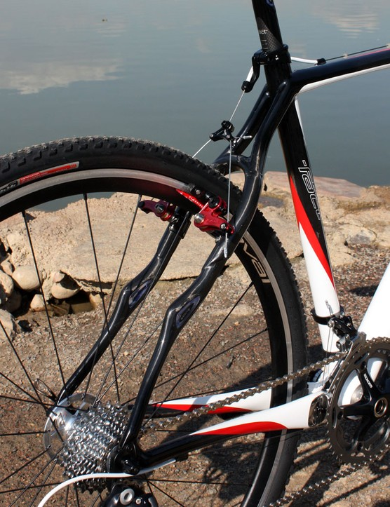 The curvy seatstays offer lots of tire clearance