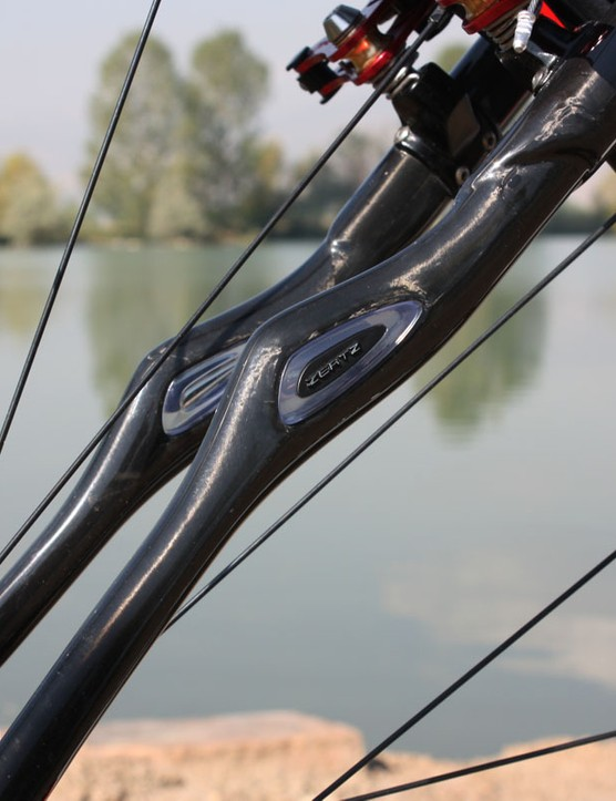 Do Specialized's Zertz elastomeric dampers really work? Hard to say exactly but it's a well-proven concept in other industries and the CruX Pro Carbon does indeed deliver a sublimely smooth ride quality