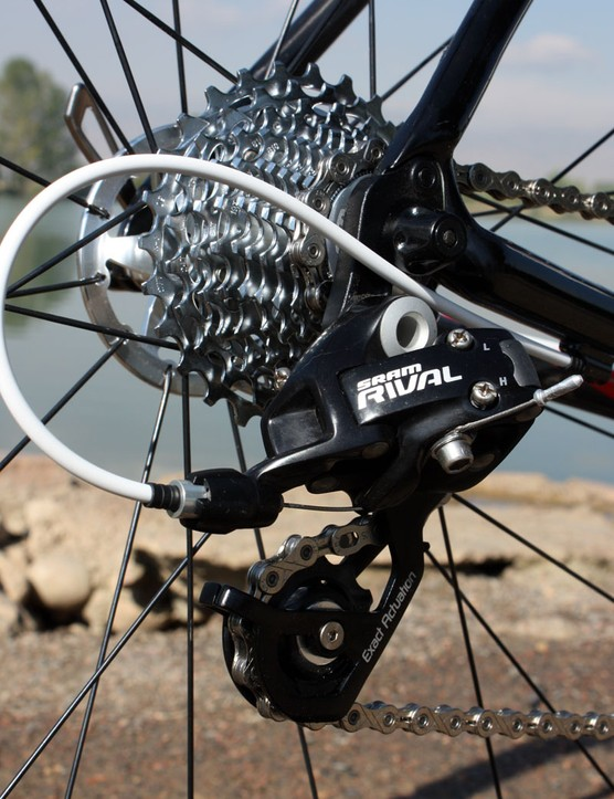 The Rival rear derailleur moves the KMC chain across a 12-27T SRAM PG-1070 cassette