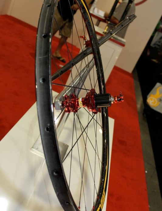 The 1,100g Volo Carbon wheelset with extra wide tire bed