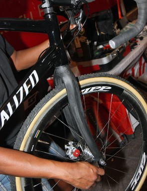 Specialized don't make their own disc brake-compatible carbon 'cross fork just yet so team rider Todd Wells is playing with a Ritchey fork for the time being