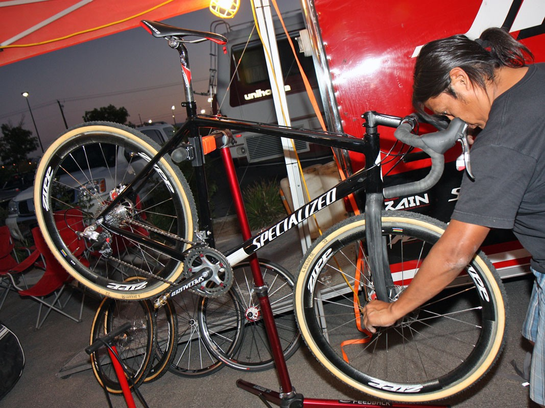 Myron Billy prepared Todd Wells' (Specialized) custom disc-brake-equipped Specialized CruX in time for CrossVegas but Wells ultimately decided to use his regular machine instead.  Sounds like we'll see him on disc brakes at some point this season, though