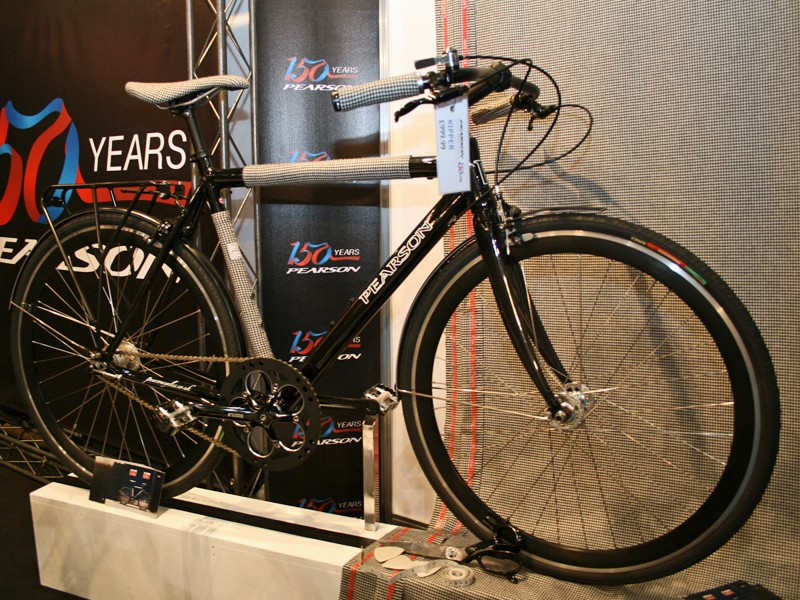 Pearson Cycle Specialists produced The Kipper in collaboration with British tailor Timothy Everest