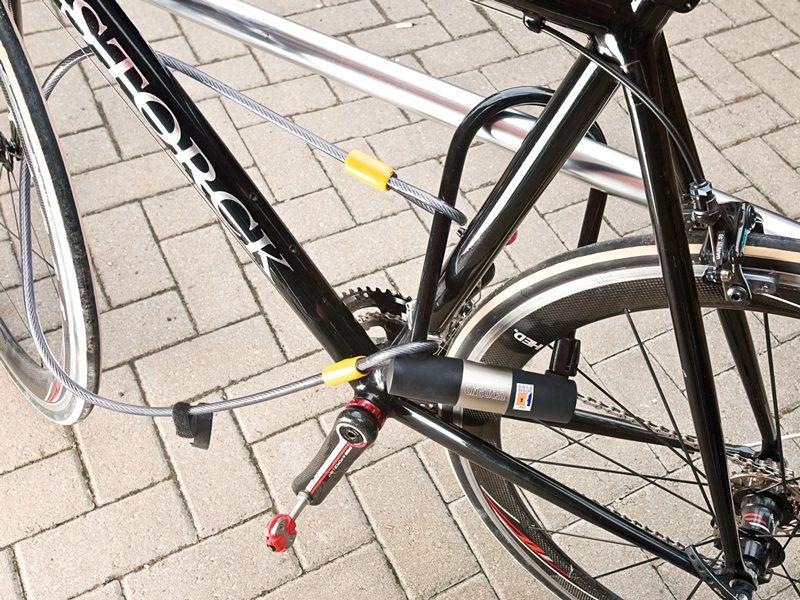 "OnGuard Bulldog 8012C Combo DT U-Lock  /&4 FT Cable Bike Double Locking 9/"" x 4.5/"""
