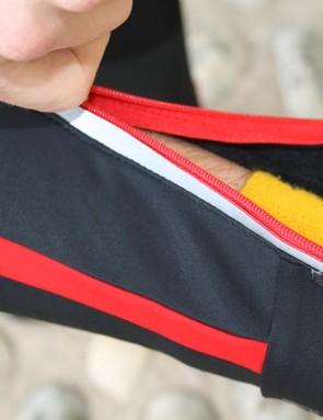 Leg zipper on the Rosso Corsa