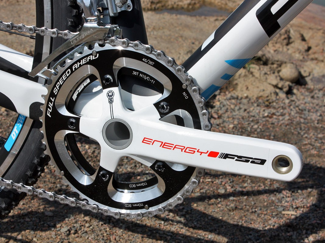 The FSA Energy BB30's hollow-forged aluminum arms are coated in a slick white finish - and thankfully, there's a clear protective film applied straight from the factory to help them stay looking fresh, too