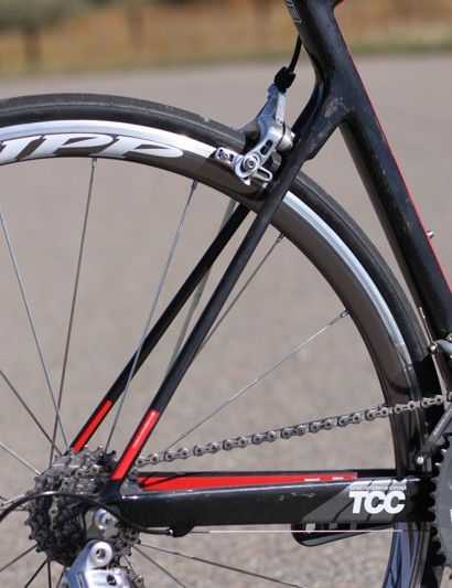 The svelte seatstays, which are affixed low on the seat tube, serve to smooth things out and save weight