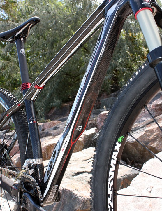 As with the previous Alma 29, Orbea again includes a built-in fender shape for the down tube
