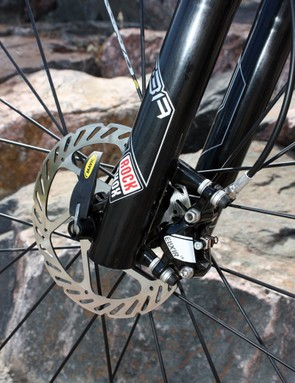Avid's Elixir CR hydraulic disc brakes offer up ample power and good lever feel