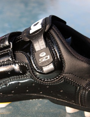 The new adjustable strap anchor is now tucked more neatly behind a panel of Lorica for less crankarm interference