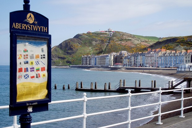 Constitution Hill in Aberystwyth is the scene for the first Rose Bikes Cliff Hanger race, with uplift care of the town's historic cliff railway