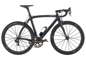 Campagnolo's new 11 speed electronic groupset seen on Pinarello's Giro d'Italia special edition Dogma