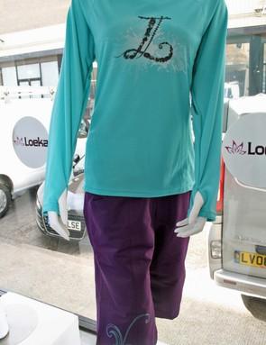 Loeka Kasista long-sleeve jersey and Cascade Freeride Foliage shorts