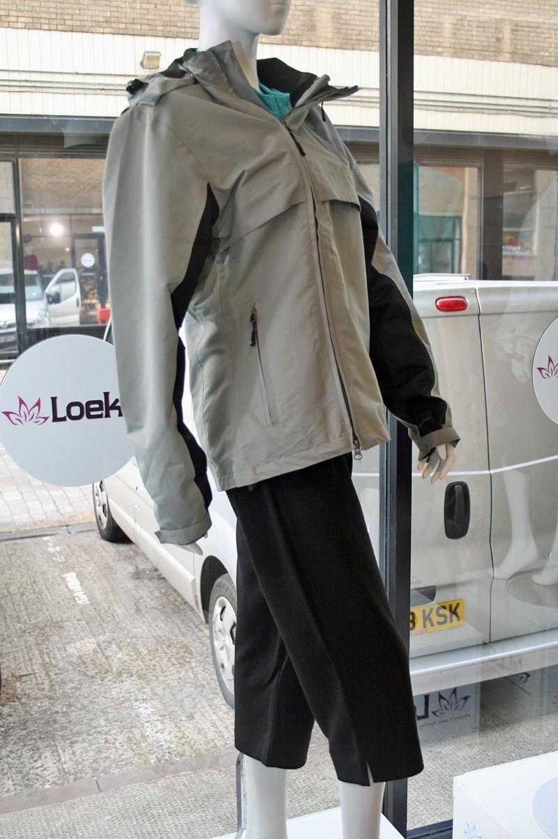 Loeka Schutzen Tech jacket and Zoeker Commuter Capri shorts