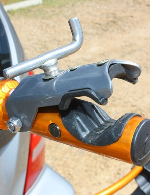 The repair stand head is lined with soft rubber and accommodates a wide range of tube sizes but the jaws are too narrow to provide a truly firm grip