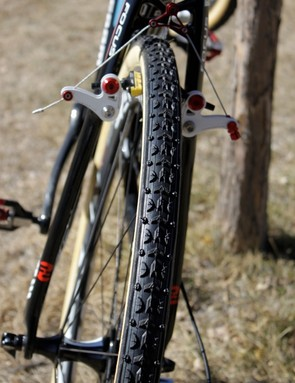 The Mares frame features plenty of mud clearance, especially with UCI mandated 32mm tires