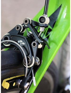 The quick-release mechanism is a tad crude and lacks intermediate positions in case of a mid-ride tweaked wheel