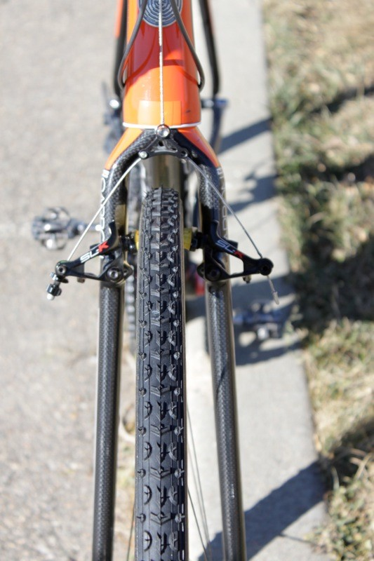 At the front, Kona's CX Carbon Race fork offers clearance for a 40c tire, according to Trebon