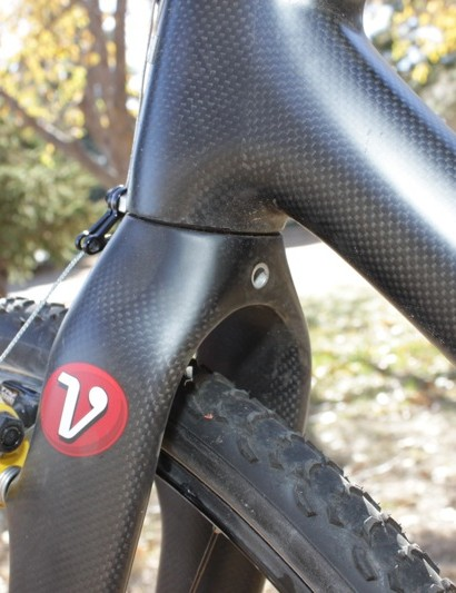 The 500g tapered-steerer fork is designed to accept a bolt on brake cable boss