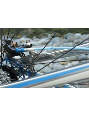 The added section of weld across the seatstay is said to better transfer the braking forces to the tube