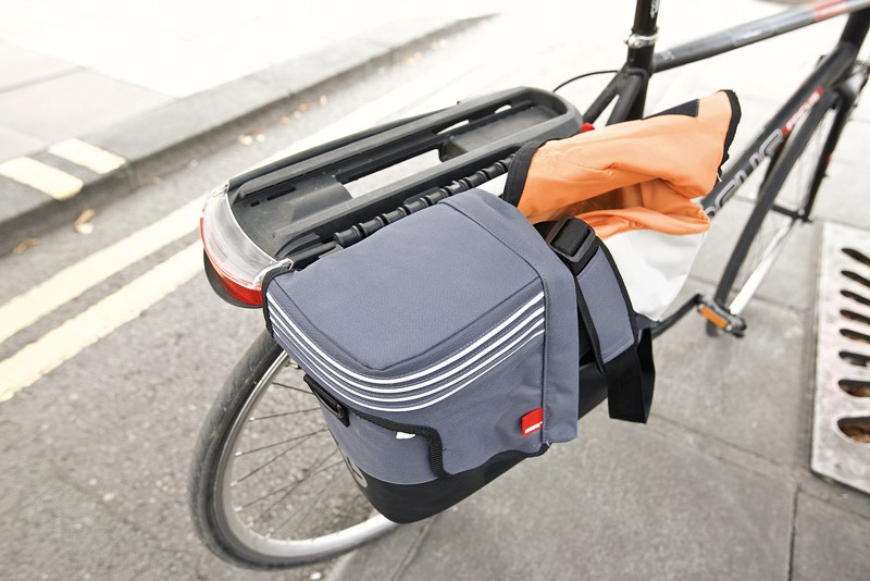 Hamax plus premium carrier & pannier