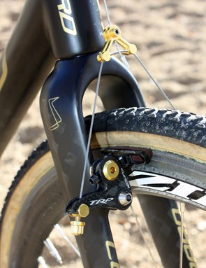 The ultralight TRP EuroX Carbon cantilevers are fitted with TRP's own carbon-specific compound up front