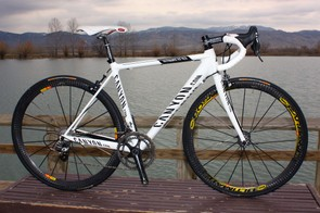 Many have drawn similarities between Canyon Bicycles' Ultimate CF frame shape and Cervélo's popular R3. Now some of those issues are being hashed out in court