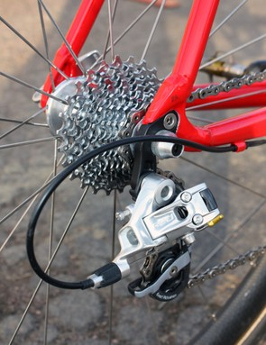 The SRAM Red rear derailleur is matched to a PG-1070 11-26T cassette