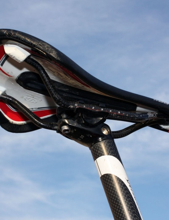 Carbon rails help keep the weight low on Todd Wells' (Specialized) saddle while apparently still being strong enough to stand up to repeated remounts
