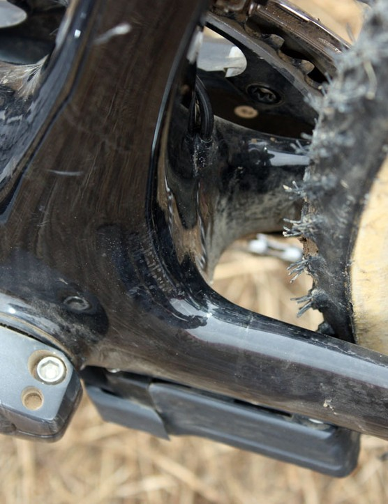 There's generous clearance down by the bottom bracket and no shelf on which mud can collect