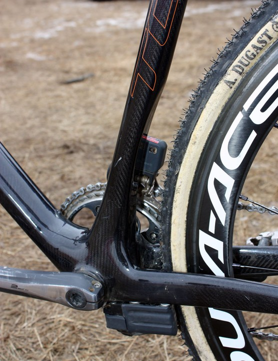 A deep cutout on the back of the seat tube provides an unusually generous amount of mud clearance