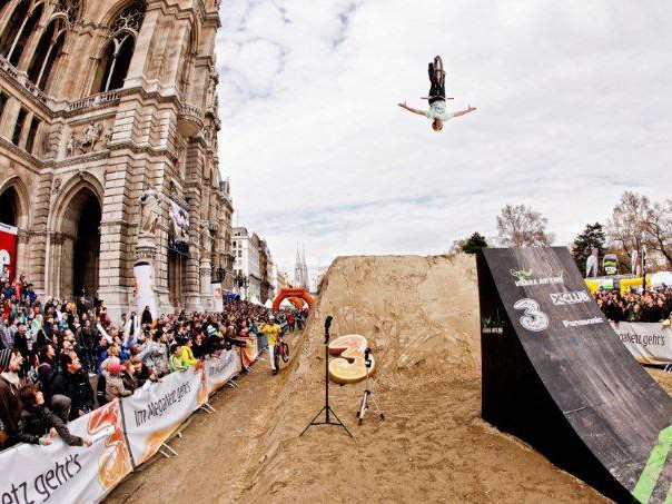 Sam Pilgrim took the win at the 2010 Air King. Who'll come out on top this year?