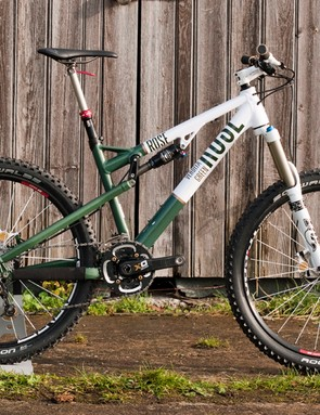 The Verdita Green is the women's version of the Granite Chief. It gains 10mm of travel for 2011, pushing it up to 150mm. Prices range from £1,599 to £3,149 depending on spec
